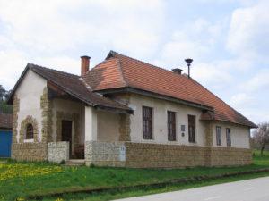 Stara šola v Adrijancih, leta 2010